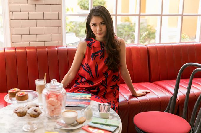 Á hậu Thùy Dung gợi ý chọn váy đi biển mùa thu - 6