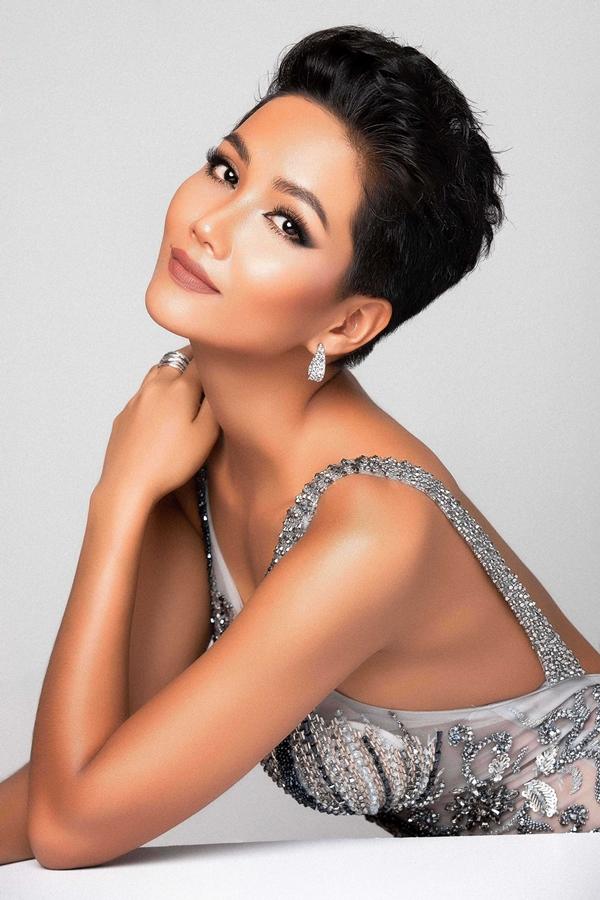 HHen Niê khoe nhan sắc trước ngày dự thi Miss Universe - 2
