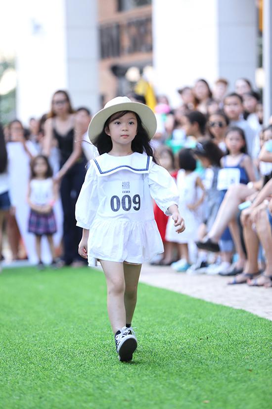 Nét đáng yêu cùng thần thái tự tin, sải bước điêu luyệncủa các bé hứa hẹn mang tới các màn trình diễn lôi cuốn cho mùa thời trang năm nay.