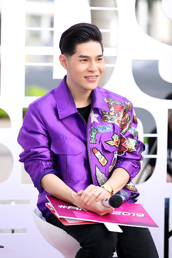Đạo diễn thời trang Nguyễn Hưng Phúc chia sẻ, để tăng thêm sự hấp dẫn cho các buổi tuyển chọn mẫu nhí, anh lên ý tưởng casting gần như format chọn thí sinh ở chương trình The Face.