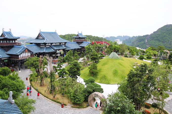 Khu Ba Đèo được mệnh danh là Nhật Bản thu nhỏ, thỏa mãn những tay chơi ảnh bởi khung cảnh tựa như vườn hoàng gia. Nhấc máy lên bất kỳ góc nào cũng giúp bạn có những tấm ảnh ấn tượng.