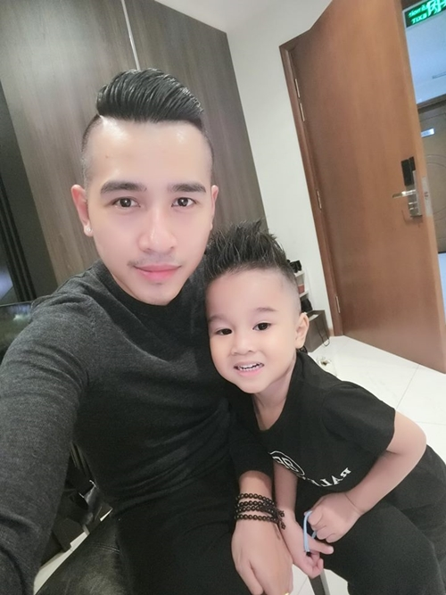 Con trai Ngọc Bích thân thiết với ca sĩ Tiêu Quang.