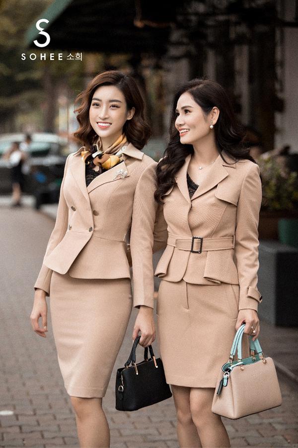 Lấy gam màu pastel chủ đạo, các trang phục camel, nâu đất, xanh bạc hà, hồng nhạt... đều tôn vẻ nữ tính tối đa choquý cô công sở vốn gắn liền với môi trường làm việc nghiêm túc.