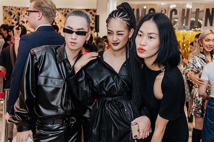 Tối 7/11, Thùy Anh chọn lối tạo hình cá tính khi góp mặt cùng dàn fashionista trong buổi giới thiệu bộ sưu tập thu đông của thương hiệu nổi tiếng.
