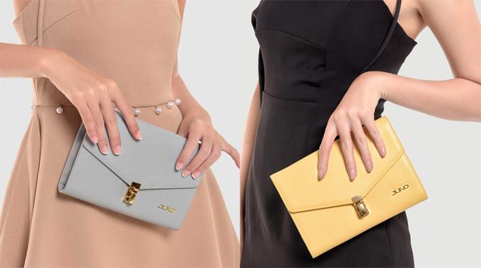 Ví cầm tay: Sang trọng, thời thượng mà không phô trương, những chiếc ví cầm tay thể hiện phong cách của mỗi phái đẹp. Tùy theo sở thích, các nàng có thể chọn chiếc ví có sắc màu trang nhã hay ấn tượng để mang theo khi dự tiệc.