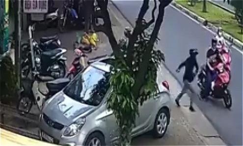 Trộm vứt xe máy bỏ chạy khi bị bắt quả tang