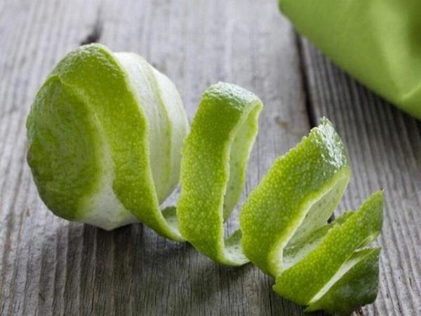 Vỏ chanh chứa nhiều dưỡng chất, muối khoáng, vitamin rất tốt cho làn da, mái tóc và kể cả răng miệng.