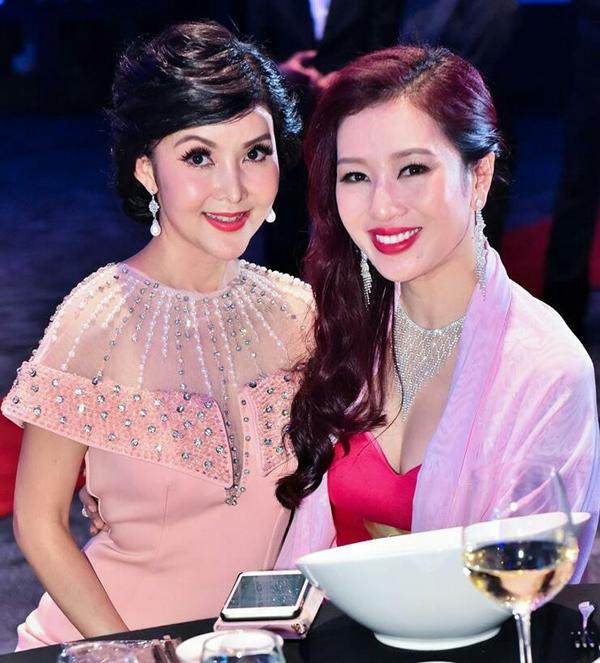 Á hậu Mrs. World Nguyễn Thu Hương rạng rỡ dự sự kiện của He & Me - ảnh 2