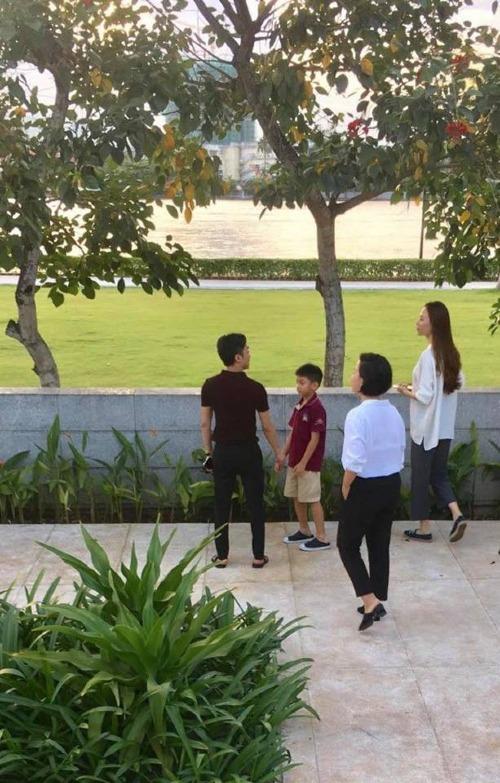 Cường Đô La, Đàm Thu Trang cùng với Subeo đi xem nhà giữa thời điểm cặp đôi được đồn đoán sẽ làm đám cưới vào tháng 5/2019.