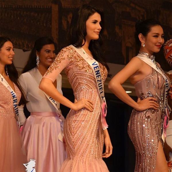 Trong quá trình dự thi, cô luôn nổi bật vì nhan sắc quyến rũ và phong cách tự tin, chuyên nghiệp. Người đẹp đã tham gia nhiều cuộc thi nhan sắc ở quê nhà trước khi đại diện cho Venezuela tại đấu trường Miss International 2018.