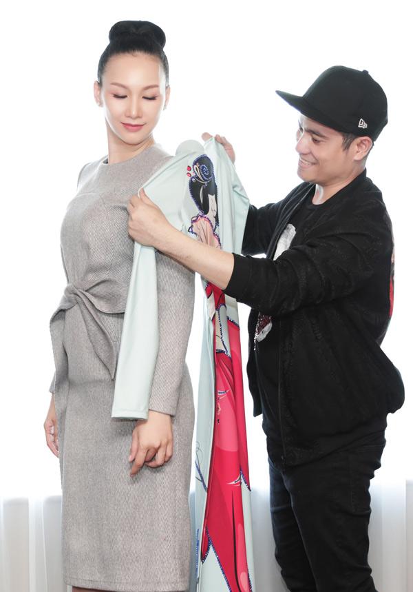 Trong chuyến sang Nhật Bản còn có Hoa hậu Doanh nhân Toàn năng châu Á 2018 Paris Vũ. Cô thử 3 bộ áo dài in họa tiết thiếu nữ Nhật Bản. Nhà thiết kế Nhật Dũng tiết lộ, anh chọn lựa trang phục kỹ càng, thậm chí phải mua bản quyền với giá cao để in hình ảnh phụ nữ Nhật diện kimono lên tà áo dài.