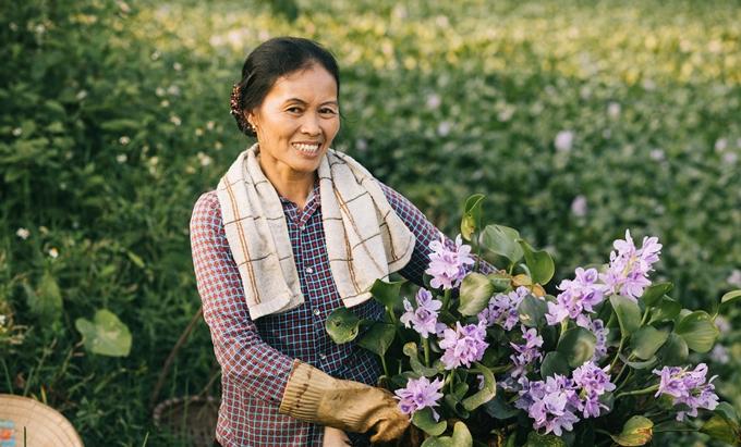 Người mẹ nông dân trong mắt con trai nhiếp ảnh gia - ảnh 1