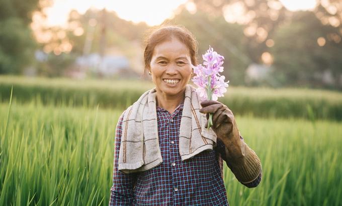 Người mẹ nông dân trong mắt con trai nhiếp ảnh gia - ảnh 6