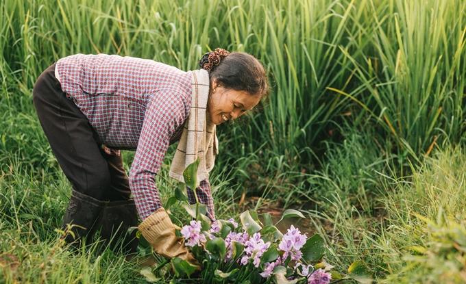 Người mẹ nông dân trong mắt con trai nhiếp ảnh gia - ảnh 7