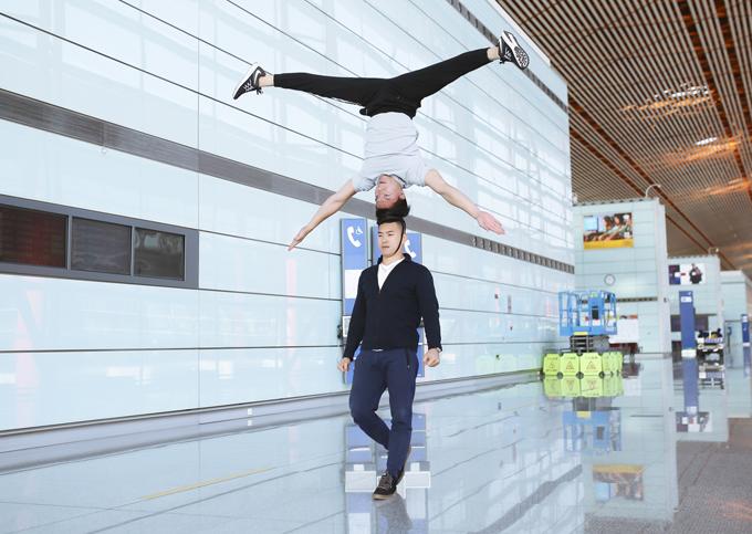 Quốc Cơ chia sẻ, hiện phong độ và tinh thần của hai anh em rất tốt. Dự kiến khi đến Italy, họ sẽ làm việc với ban tổ chức Kỷ lục Guinness để bàn về ngày, giờ cụ thể sẽ tiến hành biểu diễn nhằm xác lập kỷ lục mới về môn xiếc chồng đầu.