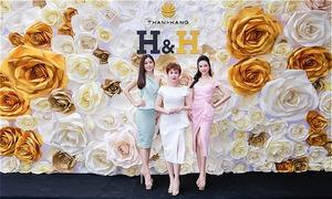 Á hậu Phương Nga, Thúy An mừng ra mắt cửa hàng mỹ phẩm sạch ở Cần Thơ