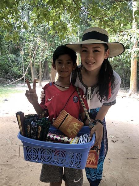 Thaksin 14 tuổi nhưng trông nhỏ bé hơn so với các bạn bè cùng trang lứa. Ảnh: Facebook.