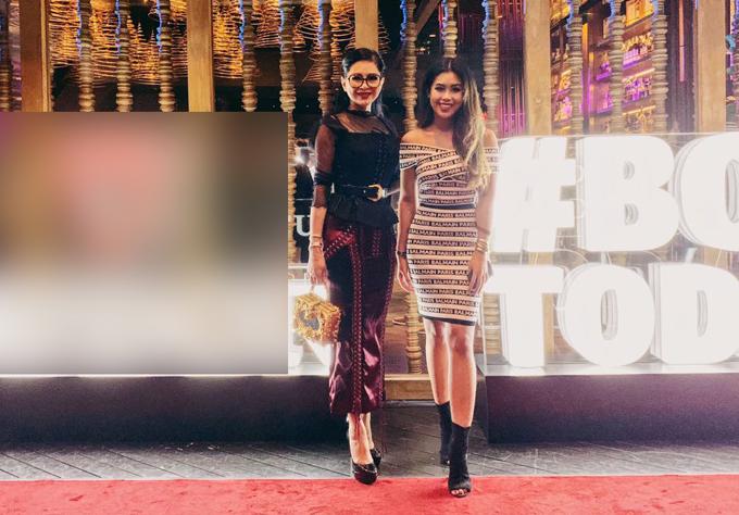 Thủy Tiên đi Singapore cùng con gái cưng Thảo Tiên. Hai mẹ con diện đồ hiệu, khoe vẻ thanh lịch, sang trọng trên thảm đỏ.
