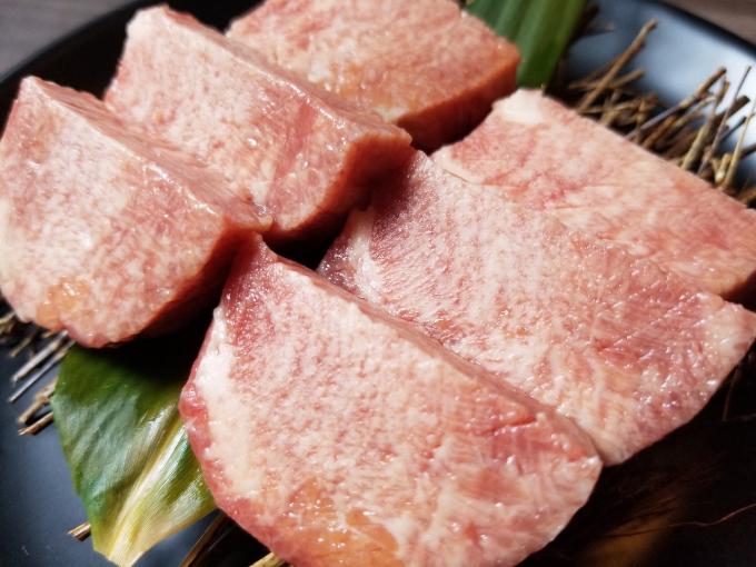 Nhà hàng có chương trình khuyến mãi độc đáo Ngày của thịt (vào ngày 29 hàng tháng). Takumi-Ya Hanoi sẽ áp dụng chương trình giảm 30% tổng hóa đơn thanh toán với tất cả menu.