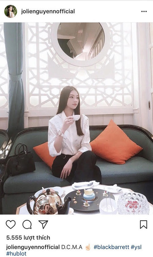 Miss Jolie Nguyen likes a relaxing tea space in The Dreamers Dessert Bar.
