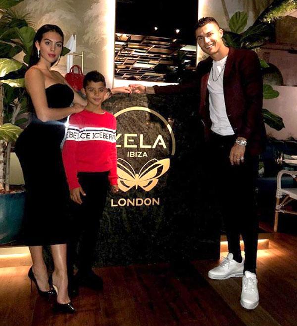 Nhà C. Ronaldo trong chuyến đi tới London.