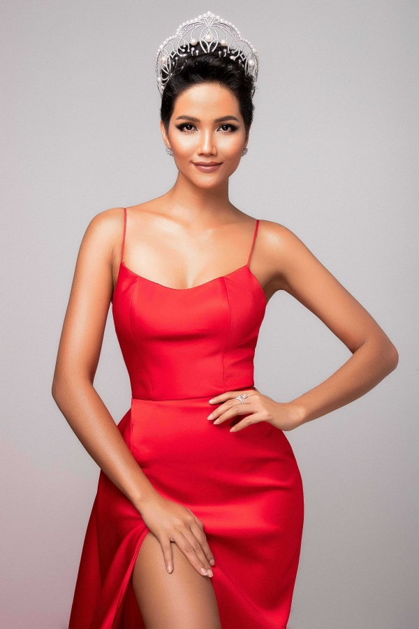 Nhan sắc đối thủ da đen, tóc tém giống HHen Niê tại Miss Universe - 7