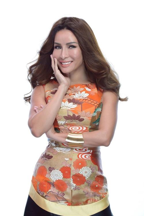 Được mời làm giám khảo Miss Earth 2018, tôi rất vui và phấn khích với vai trò mới. Đến giờ tôi vẫn hạnh phúc khi được cùng đại diện Việt Nam đứng trên sân khấu vào đêm đăng quang hôm 3/11, cô nói.