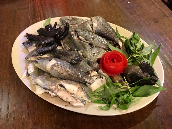 Ăn thắng cố thịt ngựa, gà đen trứ danh tại Sài Gòn - page 2 - 1