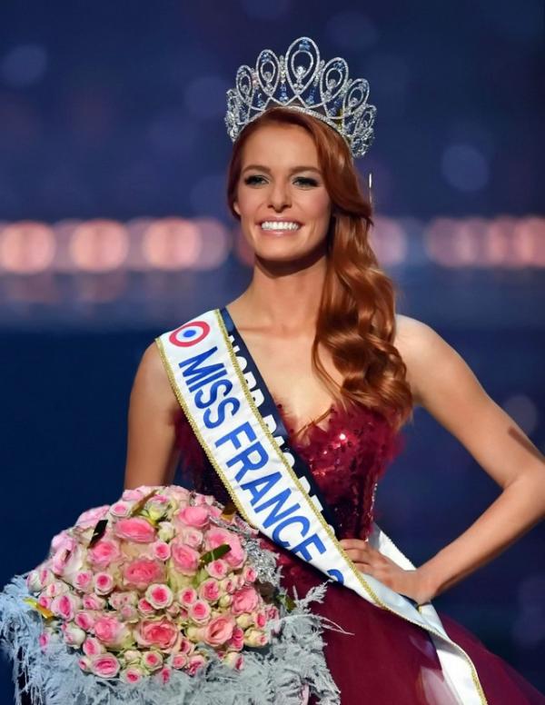 Tiểu Vy lọt top 32 phần thi Siêu mẫu ở Miss World - 3