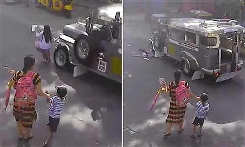 Bé gái 5 tuổi thoát chết dưới bánh xe chở khách