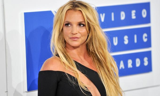 10. Britney Spears (30 triệu USD): Bên cạnh những đêm diễn một địa điểm tại Las Vegas và tour ngoài trời quy mô lớn hơn sau đó, thu nhập từ hợp đồng quảng cáo với thời trang Kenzo, Pepsi và mỹ phẩm Elizabeth Arden. Ảnh: Billboard.
