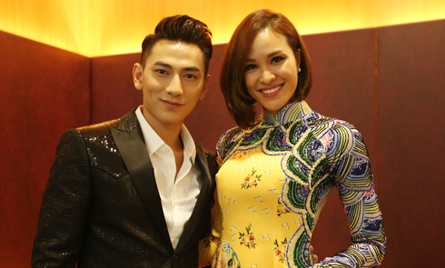 Phương Mai hội ngộ 'trai đẹp' Isaac tại Malaysia