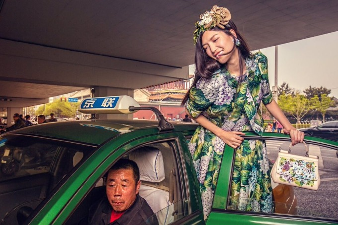 Ảnh quảng cáo gây sóng dư luận ở Trung Quốccủa Dolce & Gabbana. Ảnh:D&G.