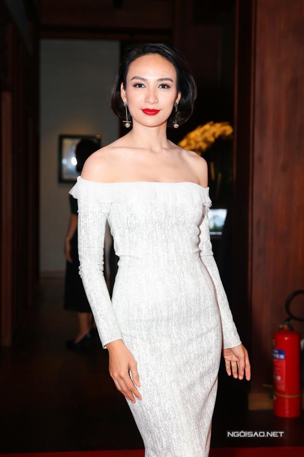 Hoa hậu Ngọc Diễm tự tin với nhan sắc gái một con.