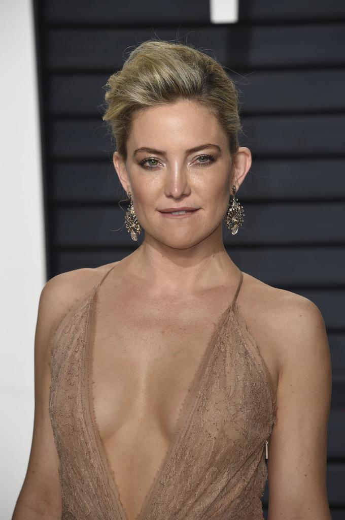 Cách xử lý quầng thâm mắt của dàn mỹ nhân Hollywood