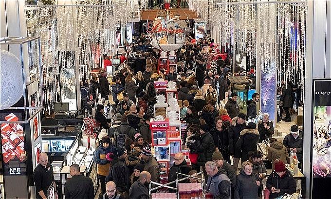 Macys New York chật ních người trong lễ Tạ ơn. Ảnh:AP.