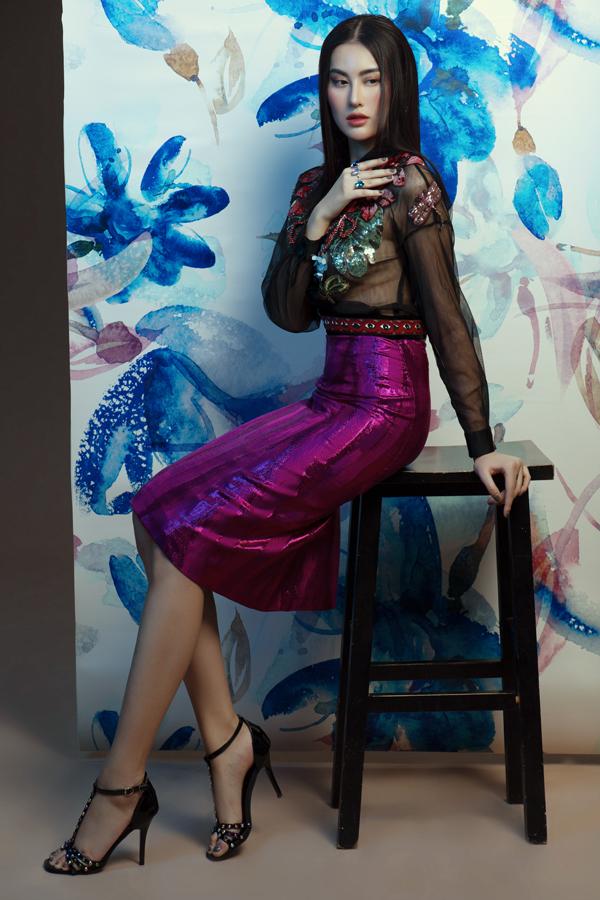 Từ một hot girl, người mẫu hay xuất hiện trên các tờ báo dành cho tuổi teen, Hà Lade muốn thay đổi hình ảnh, trở thành người phụ nữ trưởng thành, quyến rũ.