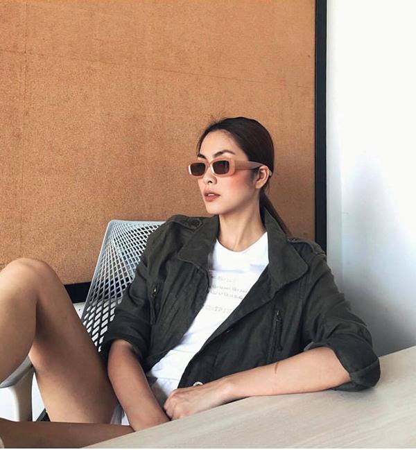 Cách phối hợp trang phục theo phong cách trên đông dưới hè được Tăng Thanh Hà chọn lựa để mang lại sự thoải mái.