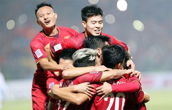 Tuyển Việt Nam giành ngôi đầu bảng sau trận thắng Campuchia. Ảnh: Đức Đồng.