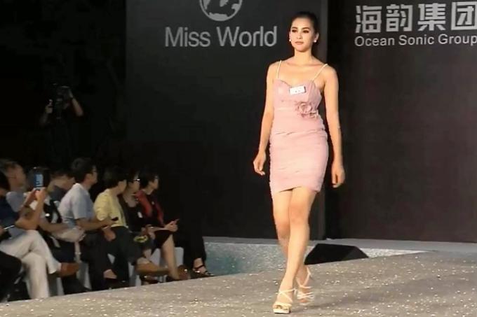 Tiểu Vy nỗ lực thể hiện bản thân ở nửa chặn đường đầu Miss World - 4