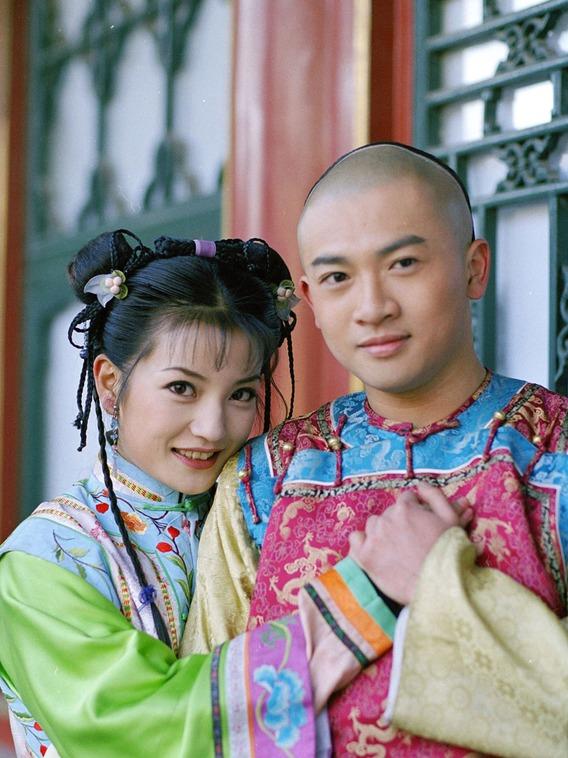 Tô Hữu Bằng và Tiểu Yến Tử thời đóng cặp trong Hoàn Châu cách cách.