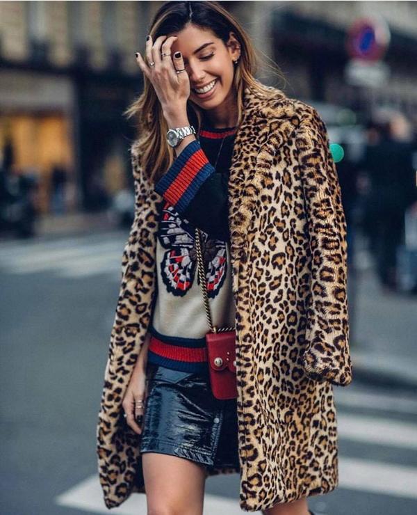Bước vào mùa lạnh, các kiểu áo khoác, áo lông họa tiết da báo là lựa chọn của những cô nàng sành điệu.