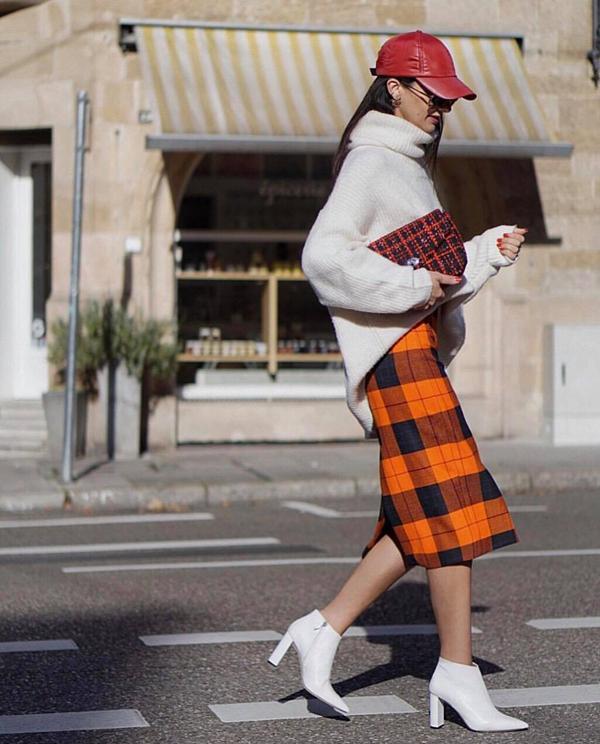 Sắc màu bắt mắt, kiểu dáng trang phục mang tính ứng dụng cao là những ưu thế vượt trội của xu hướng kẻ tartan.