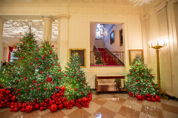 Among the distopiary trees are architectural models of major US cities, the Gold Star family tree and national monuments in gingerbread.