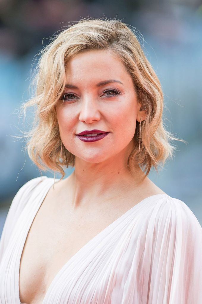 10 kiểu tóc ngắn đẹp của sao Hollywood hợp với mùa lễ hội