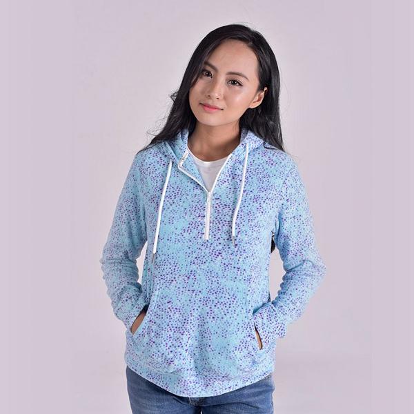Với chất liệu vải nỉ, phái đẹp có thể tham khảo dòng áo nỉ nữKisetsu. Sản phẩm được thiết kế trên chất liệu cao cấp, độ bền cao, mang đến sự thoải mái, dễ chịu cho người mặc.