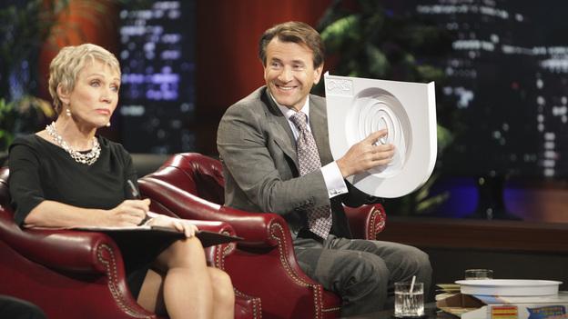 Sản phẩm mới đầu gây cười được đầu tư 100.000 USD trên Shark Tank mùa 2 năm 2011. Ảnh: Shark Tank Blog.