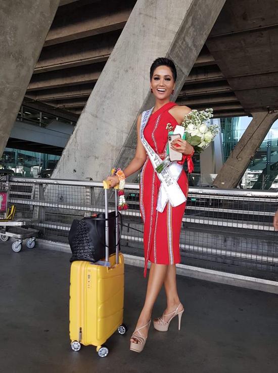 Áo dài của HHen Niê được tạp chí Thái Lan chú ý - 6