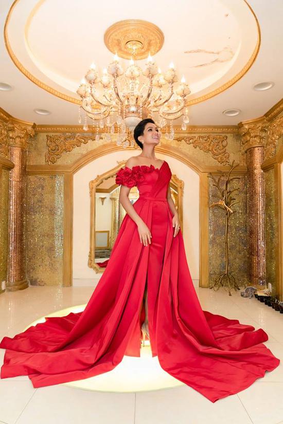 Áo dài của HHen Niê được tạp chí Thái Lan chú ý - 8