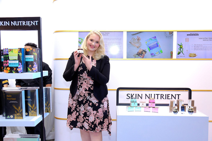 Đàm Vĩnh Hưng, Hương Giang hội ngộ tại sự kiện ra mắt mỹ phẩm Skin Nutrient - 12